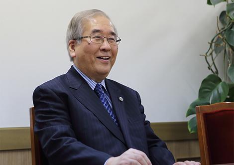 所長弁護士 田中 秀雄